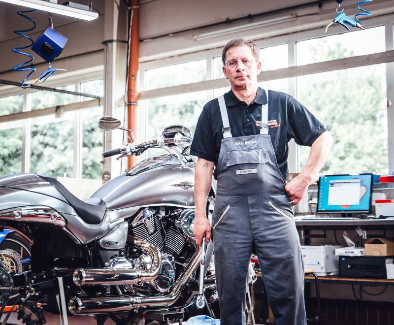 Uwe Hartke (Meister & BMW-Experte)